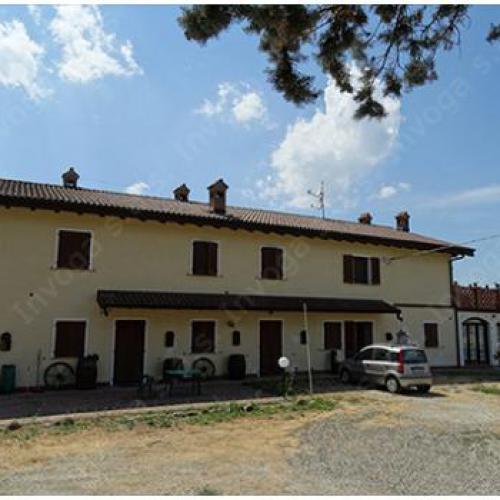 Mooi landhuis te koop vlakbij Acqui Terme, regio Piemonte.