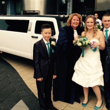 Liefbruidspaar - Prins op witte paard werd witte Hummer, Anita en Danny 8 mei 2015