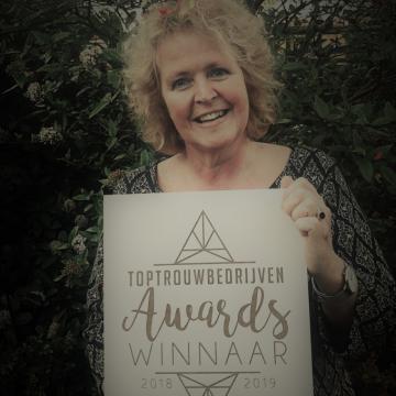 Liefbruidspaar - Top Trouwbedrijven Award - Trouwambtenaar - 2018/2019